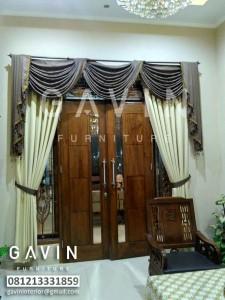 gambar gorden pintu tengah desain rumah