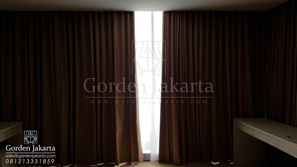 model gorden rumah minimalis modern warna coklat salute di Lavenue Pancoran Q3502