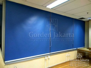 Q2862 roller blinds onna series 31 blue