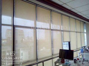 contoh gorden kantor model roller blinds