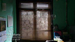 gorden buat kantor venetian blinds