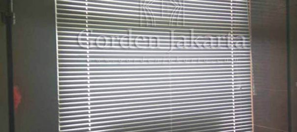 Q2978 venetian blinds deluxe slatting sp 011 sharp point
