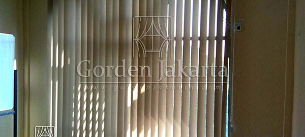 Q3101 contoh vertical blinds blackout Sp 6077-4 Starfish