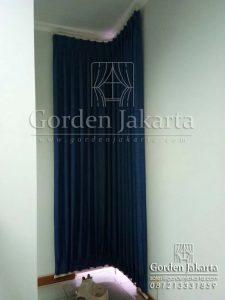 contoh gorden pintu warna biru di Tebet Q3472