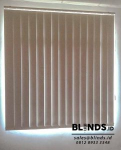 Tirai Vertical Blinds Blackout Sharp Point Sp.6045-10 white Q3735