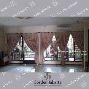 gorden jendela blackout warna coklat muda pasang di Cempaka Putih id4116
