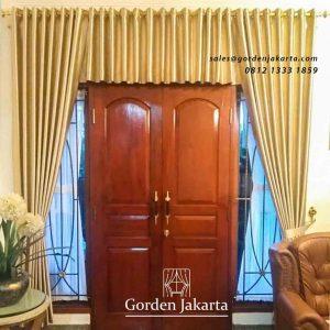 gambar gorden poni pintu warna gold di kelapa gading id4297