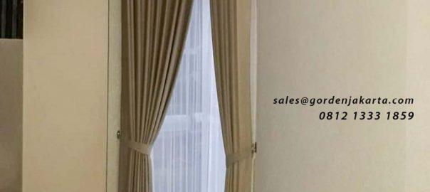contoh gorden jendela sudut minimalis pasang di Marina Ancol id4262