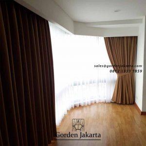 model gorden minimalis lengkung warna coklat di Taman Anggrek id4544