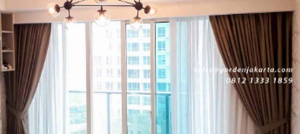 Pasang Gorden Jendela Warna Coklat The Kensington Royal Suites Kelapa Gading Jakarta id5456